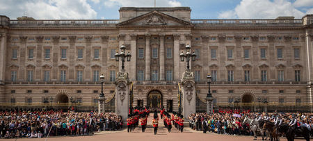 Buckingham Palace building front