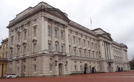 Buckingham Palace front corner view