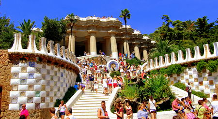 Park Guell symbolic staircase full of tourists