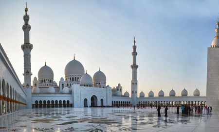 Sheikh Zayed Grand Mosque Courtyard