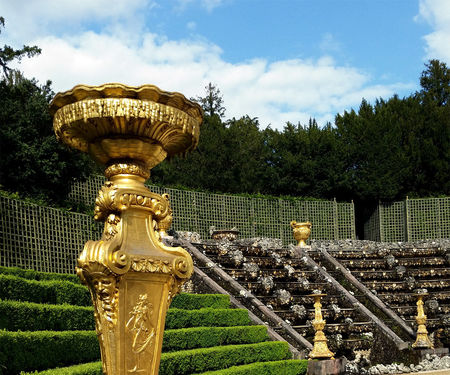 Versailles Ballroom Grove golden sculpture